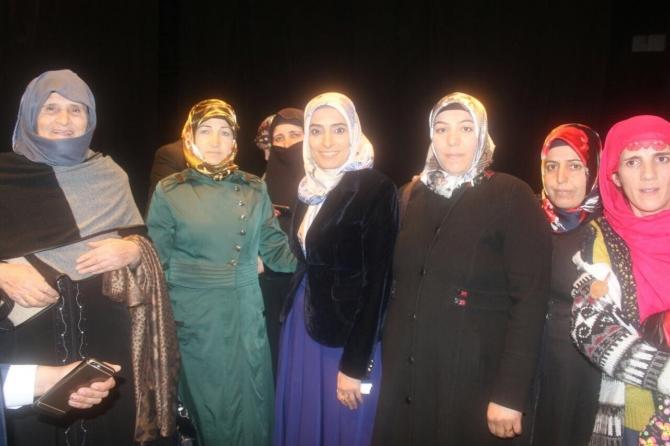Hınıslı kadınlardan 'evet' sözü galerisi resim 1