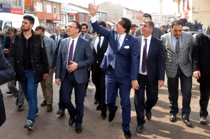 Milletvekili Aydemir'e Karayazı'da coşkulu karşılama galerisi resim 1