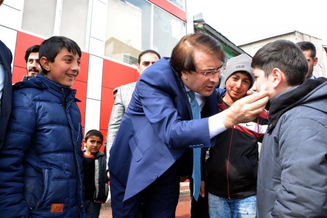 Milletvekili Aydemir'e Karayazı'da coşkulu karşılama galerisi resim 3