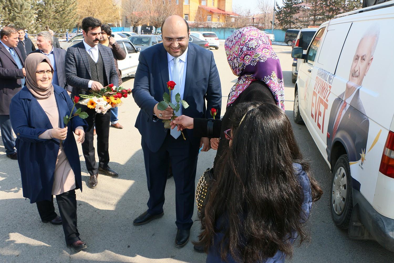 Başkan Orhan ve Keleş'ten Kadınlar günü jesti
