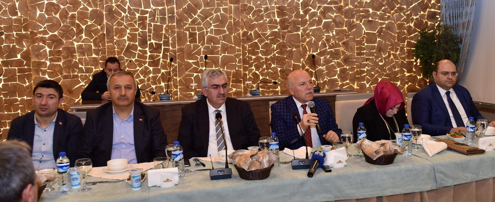 Başkan Sekmen AK Parti Erzurum il teşkilatıyla buluştu