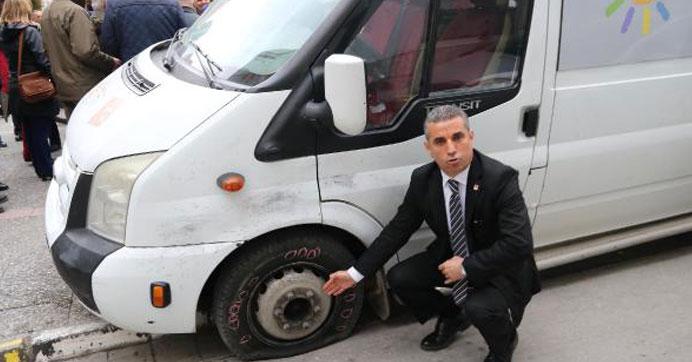 CHP'nin referandum aracına saldırı