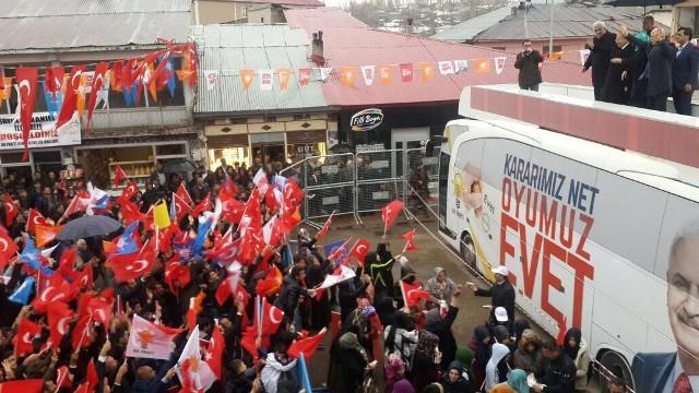 Akdağ Hınıs'ta miting yaptı!