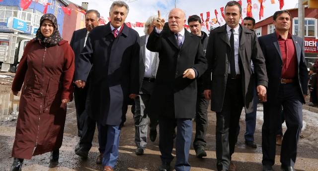 """""""İstikametimiz, tercihimiz güçlü bir Türkiye içindir"""""""