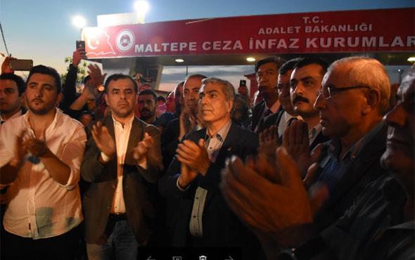 CHP'liler cezaevi önünde nöbete başladı