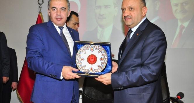 Işık: Türkiye'de parlamenter sistemi tıkayan CHP'dir