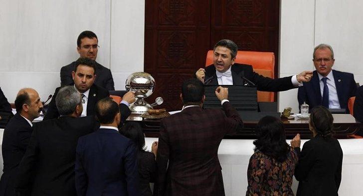 Twitter'daki Tamam-devam tartışması Meclis'te gündem oldu